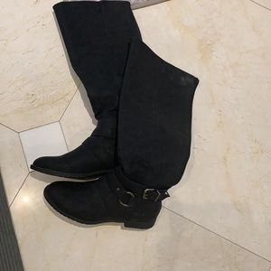 NWOT Blowfish high boots with back zipper, buckle